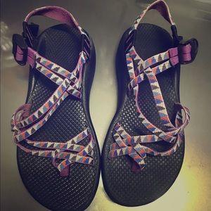 Women's Chaco sandals sz 8. Has toe loops